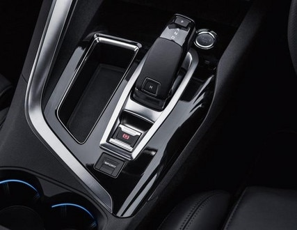 Peugeot 5008 SUV automatic gearbox