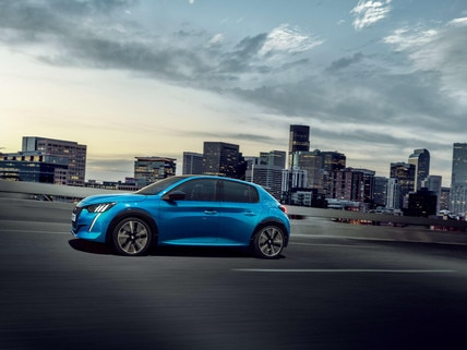 New PEUGEOT e-208 – Sporty look with sensual curves