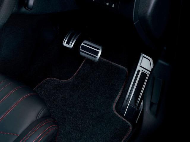 Peugeot 308 GT pedals