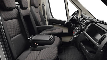 /image/62/8/peugeot-boxer-photo-interior-3-1920.528628.jpg