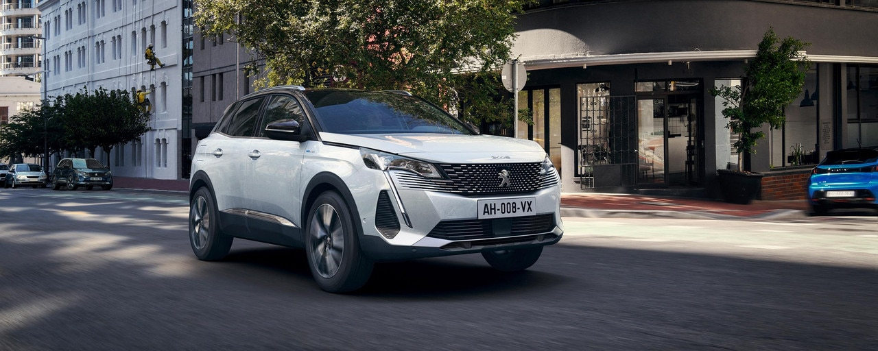 New PEUGEOT 3008 SUV HYBRID – New front end with frameless grille