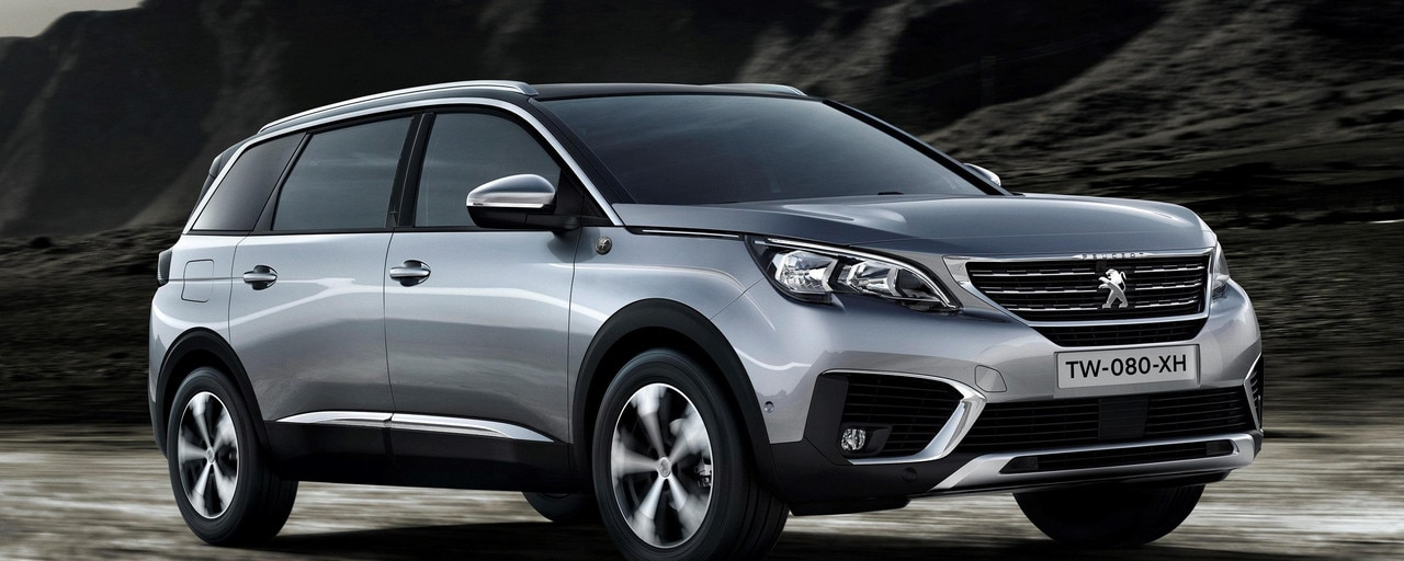 SUV PEUGEOT 5008 Crossway, At ease in the city, get off the beaten track thanks to the Advanced Grip Control, which comes standard.