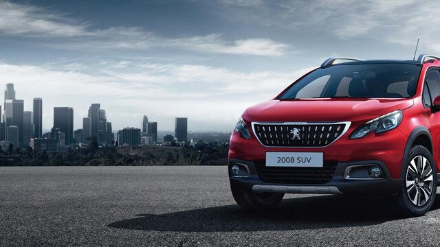 Peugeot 2008 SUV front view